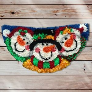 Completed latch hook snowman rug VTG